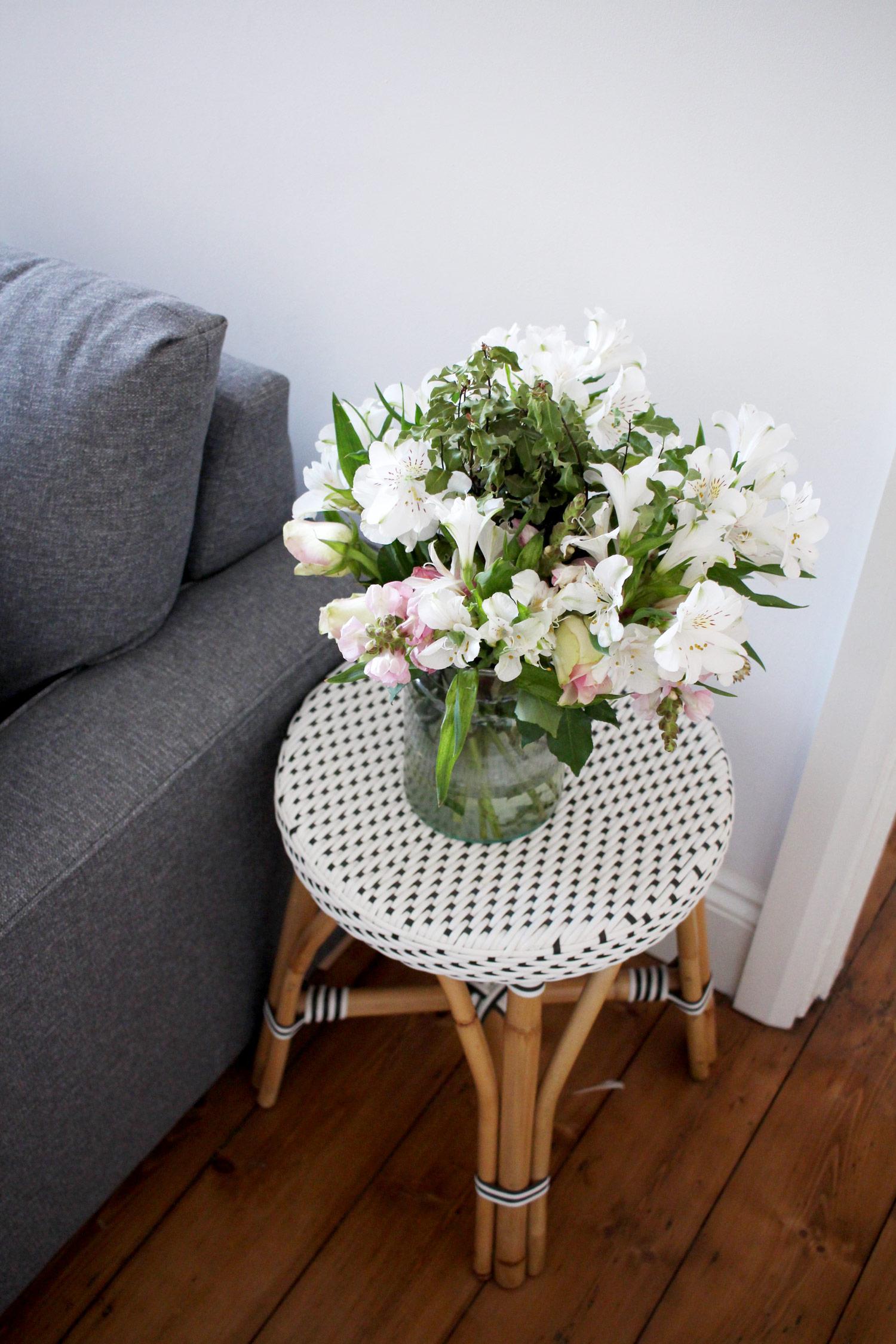 desenio-art-print-livingroom-interiors-blogger-discount-code-5