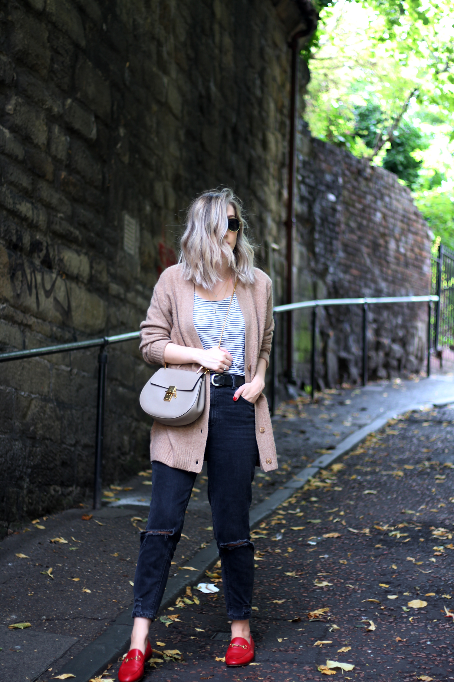 sunglasses-camel-cardigan-asos-ripped-boyfriend-jeans-2