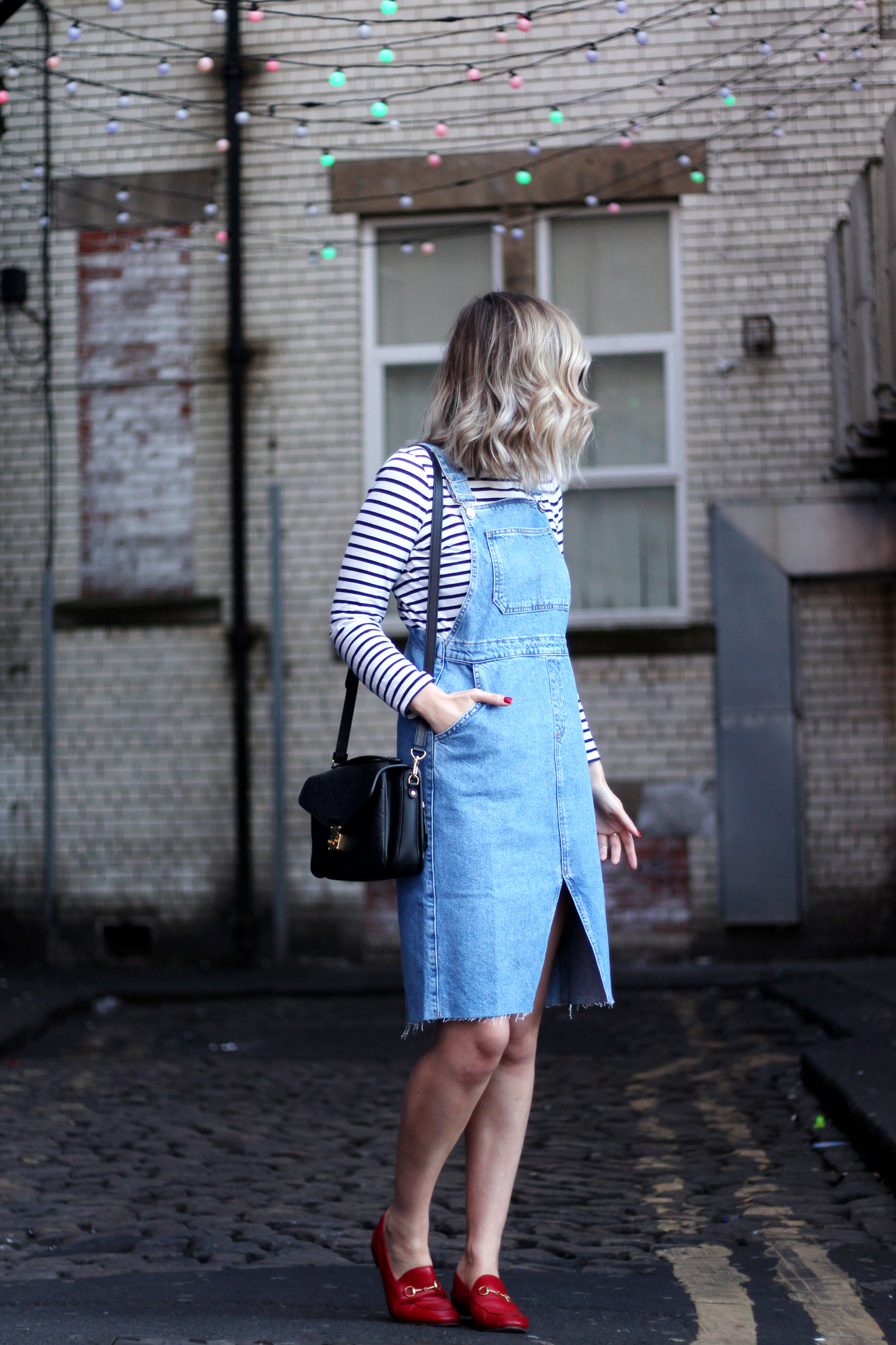 topshop-denim-pencil-dungaree-dress-stripe-top-red-gucci-loafers-2