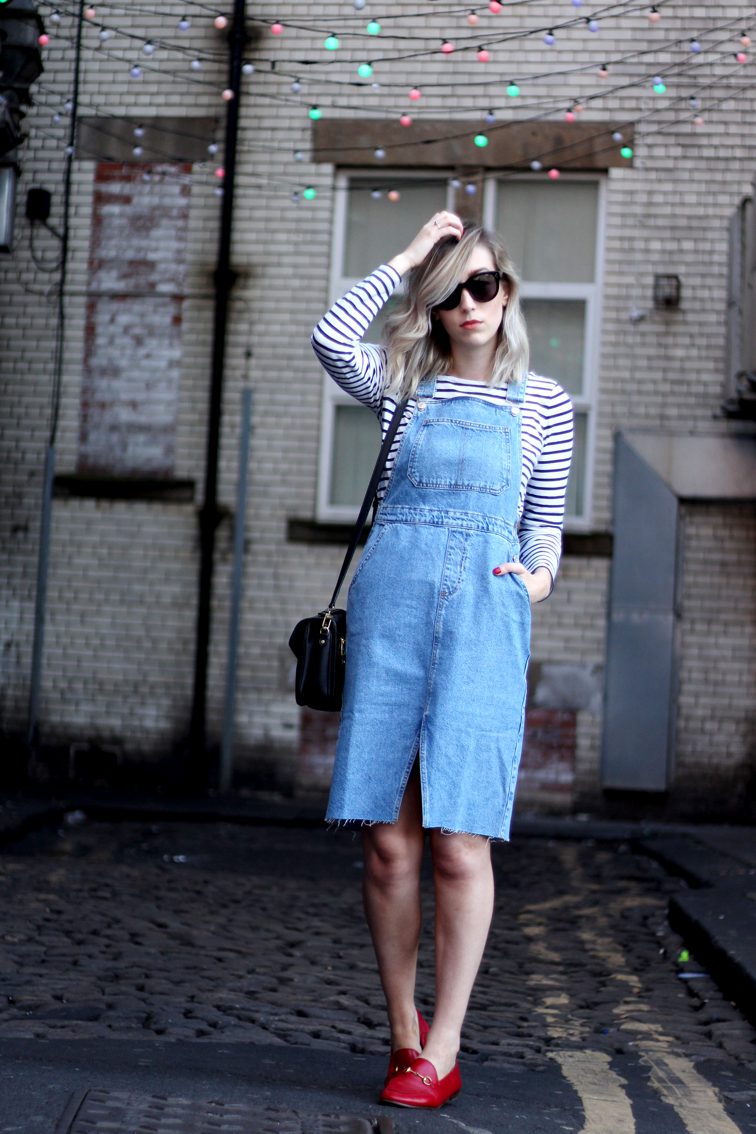 topshop-denim-pencil-dungaree-dress-stripe-top-red-gucci-loafers-3