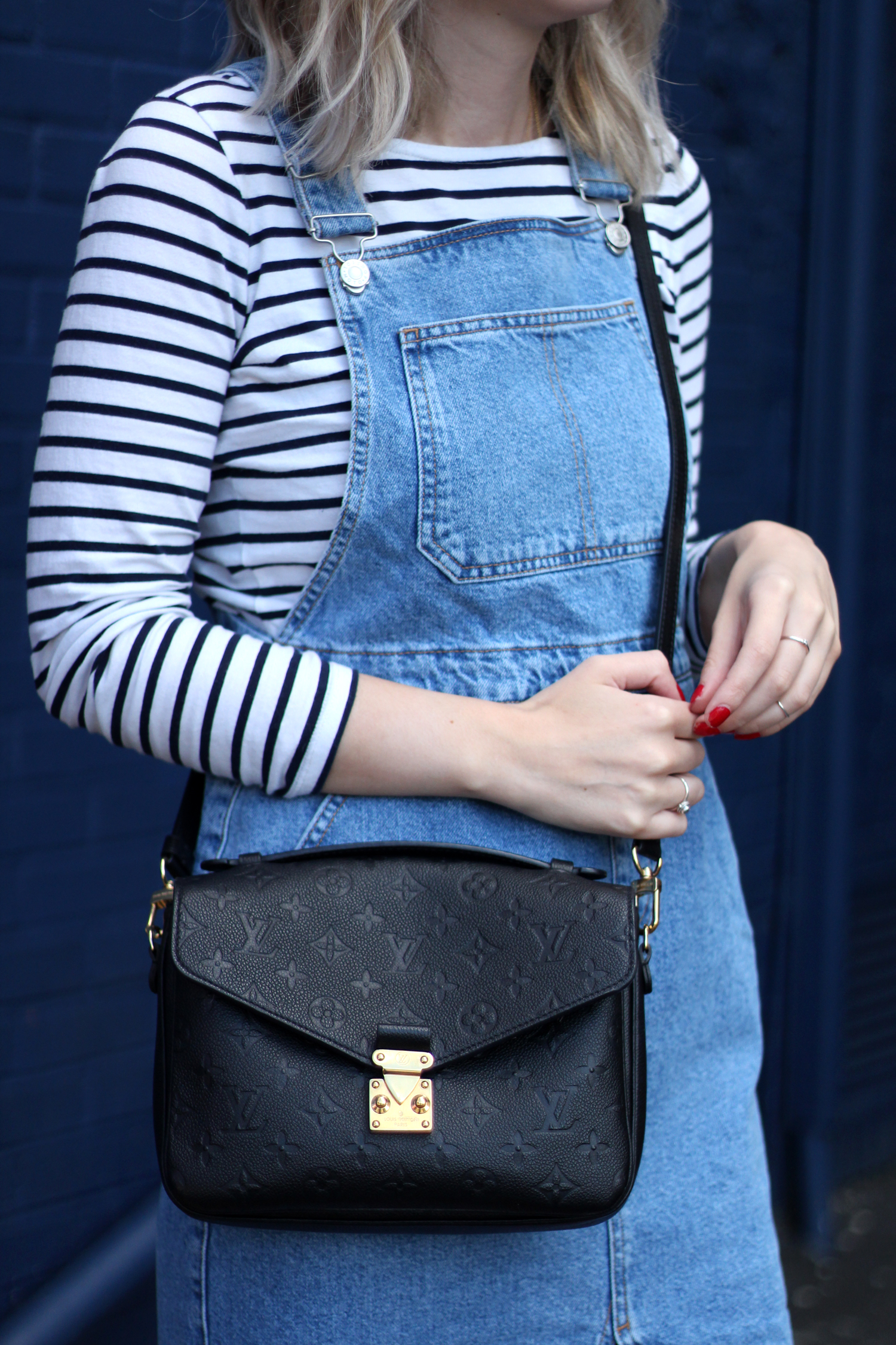 topshop-denim-pencil-dungaree-dress-stripe-top-red-gucci-loafers-8