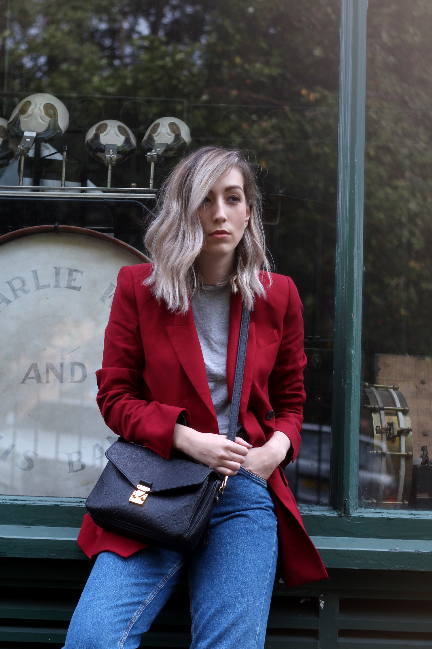 zara-red-blazer-mom-jeans-louis-mochette-metis-16