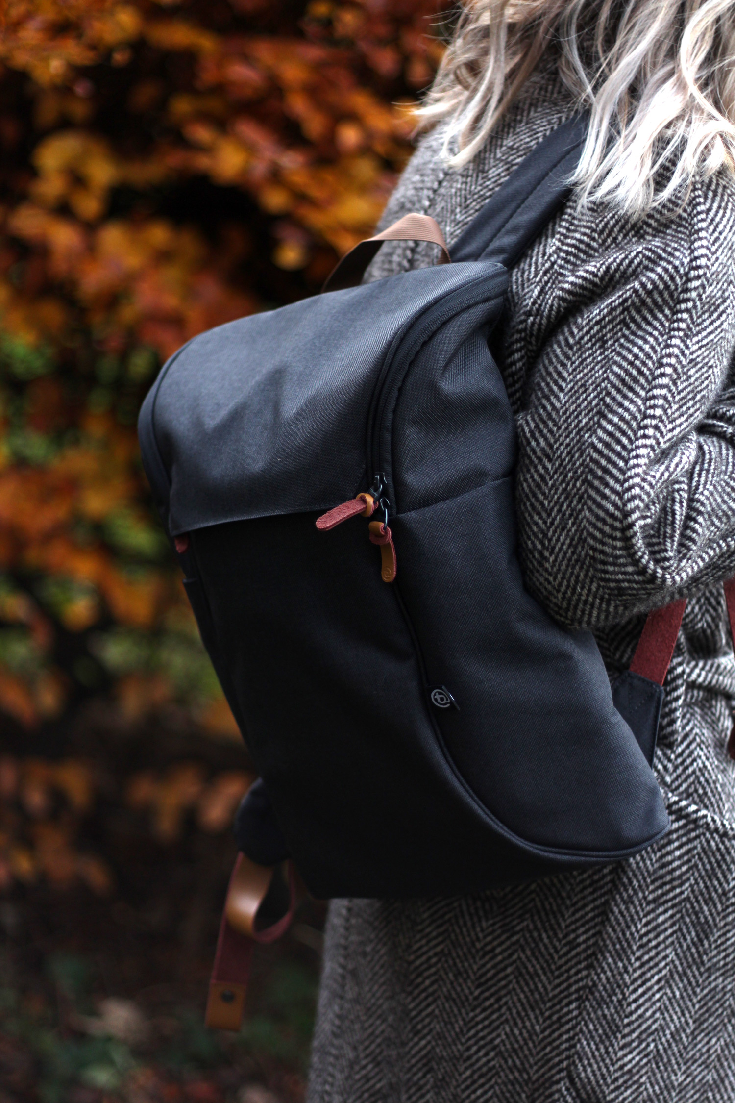 booq-grey-backpack-autumn-outfit-chloe-coat-acne-jensen-13