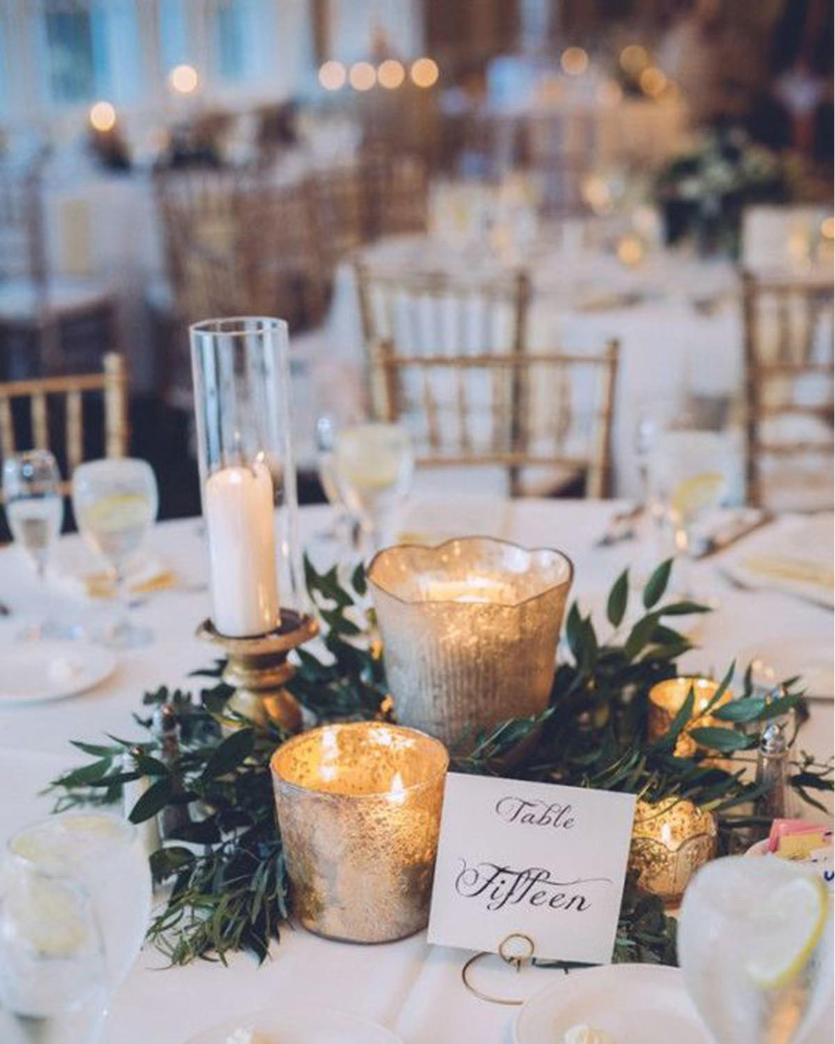 green-and-gold-combination-for-winter-wedding-decoration-(1)