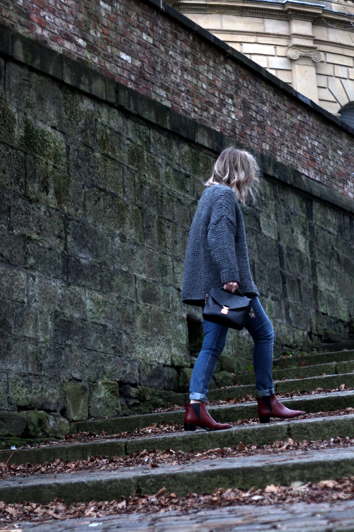 grey-cardigan-high-waisted-jeans-louis-vuitton-bag-acne-boots-2