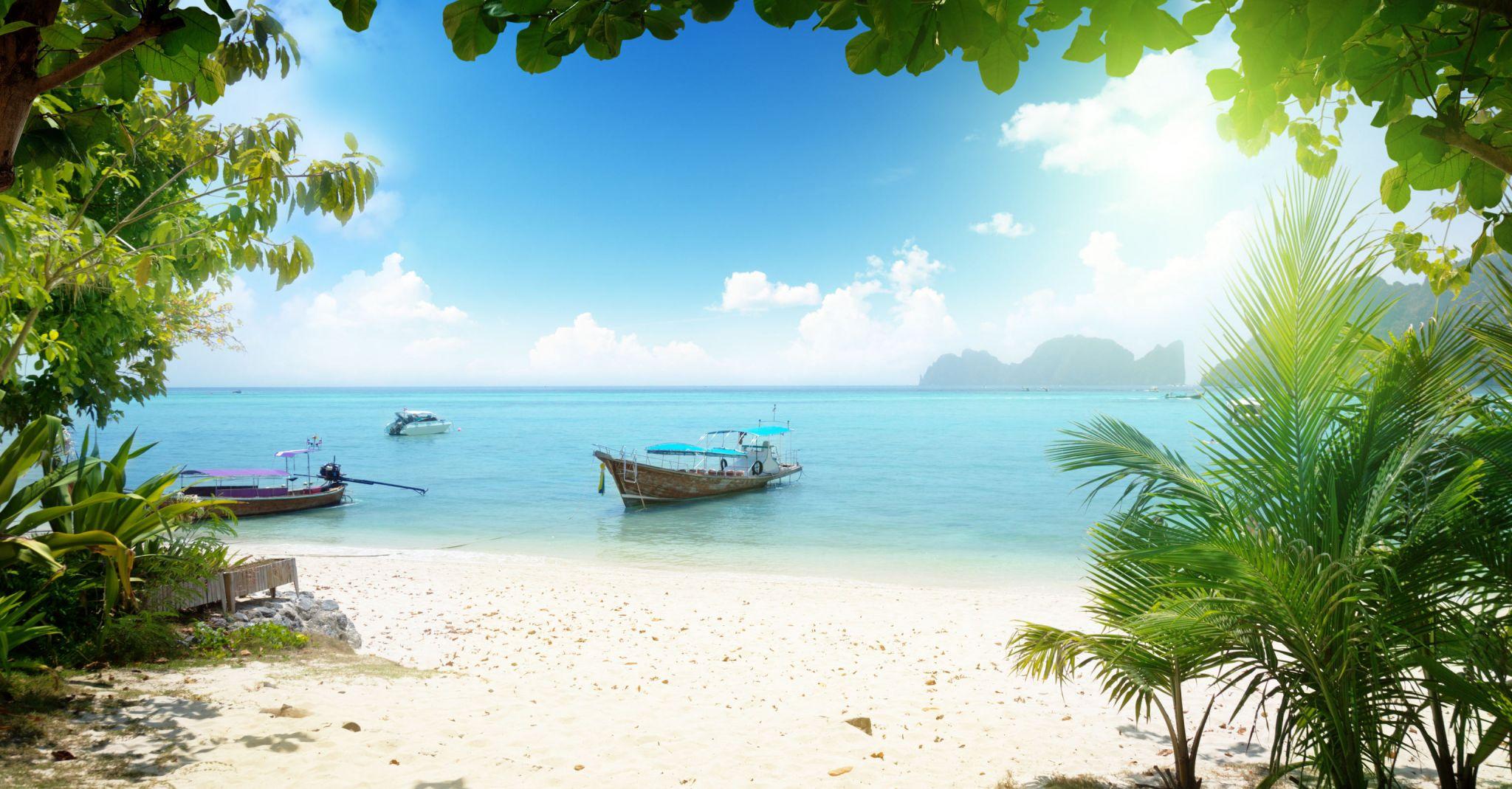 beach-boat-island-jetsetter-guides