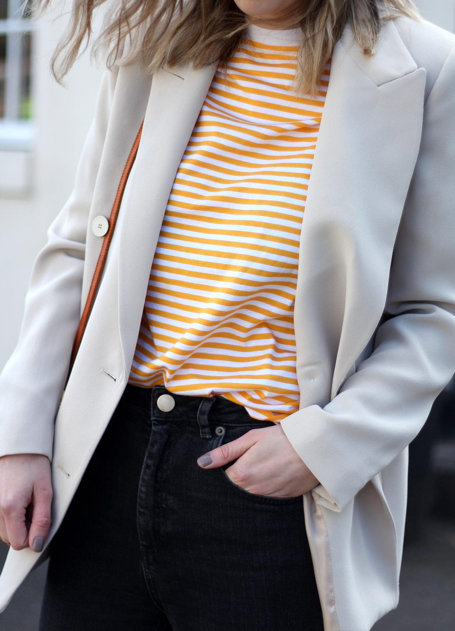 mango-beige-blazer-yellow-stripe-tshirt-gucci-loafers-basket-bag-21