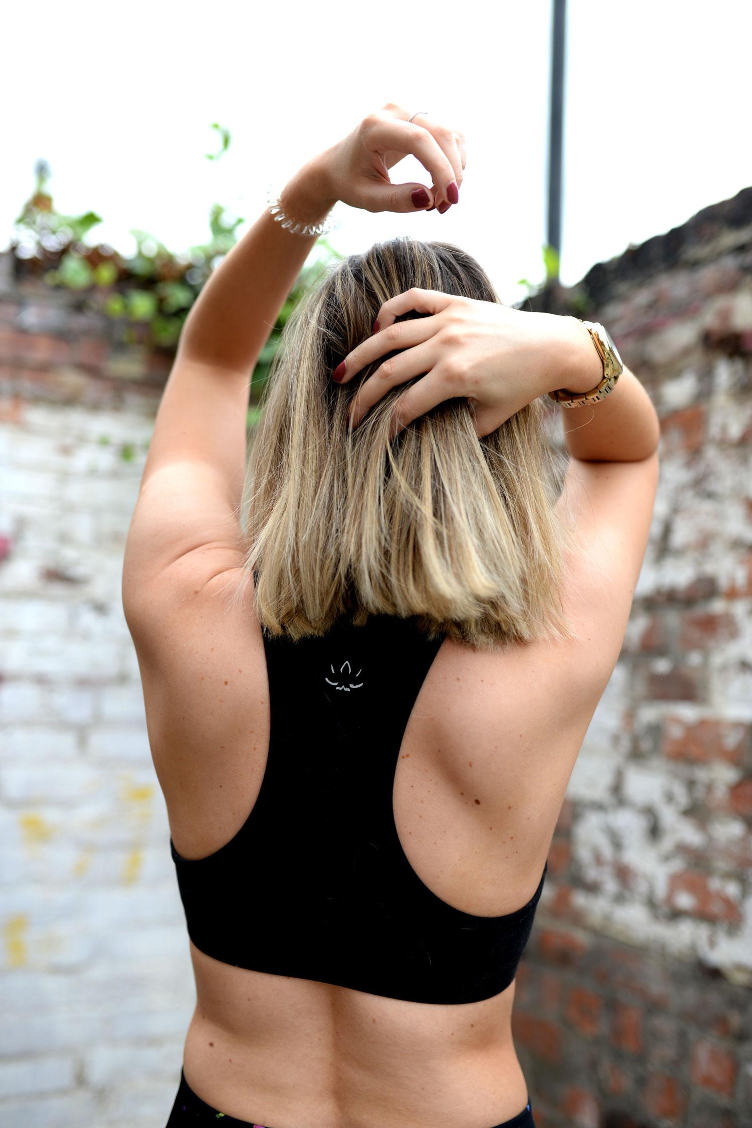the-sports-edit-leggings-sports-bra-yoga-outfit-12