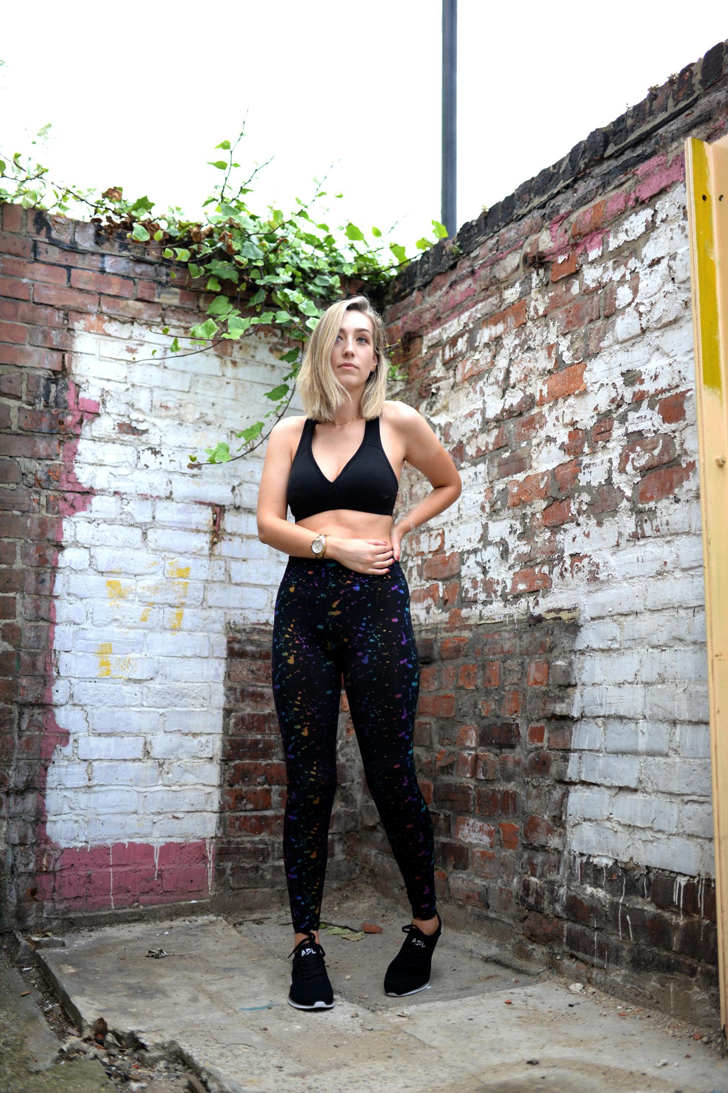 the-sports-edit-leggings-sports-bra-yoga-outfit