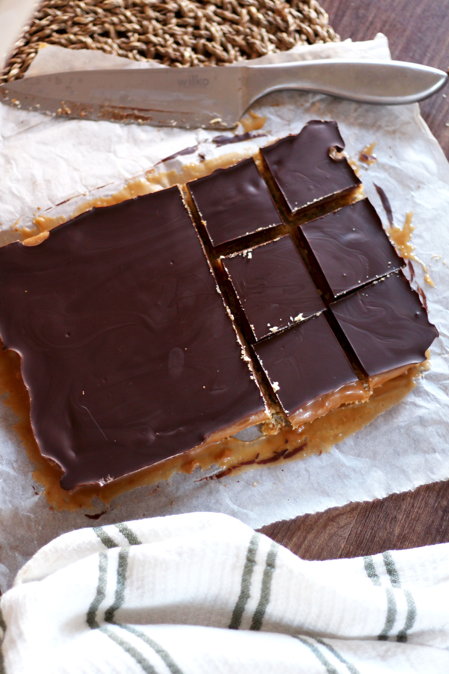 salted-caramel-pretzel-layer-bars-chocolate-recipe