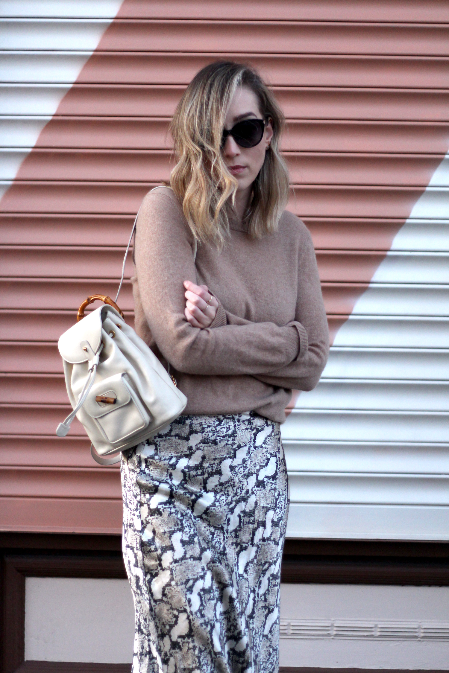 h&m-snakeprint-midi-skirt-vintage-gucci-backpack-5