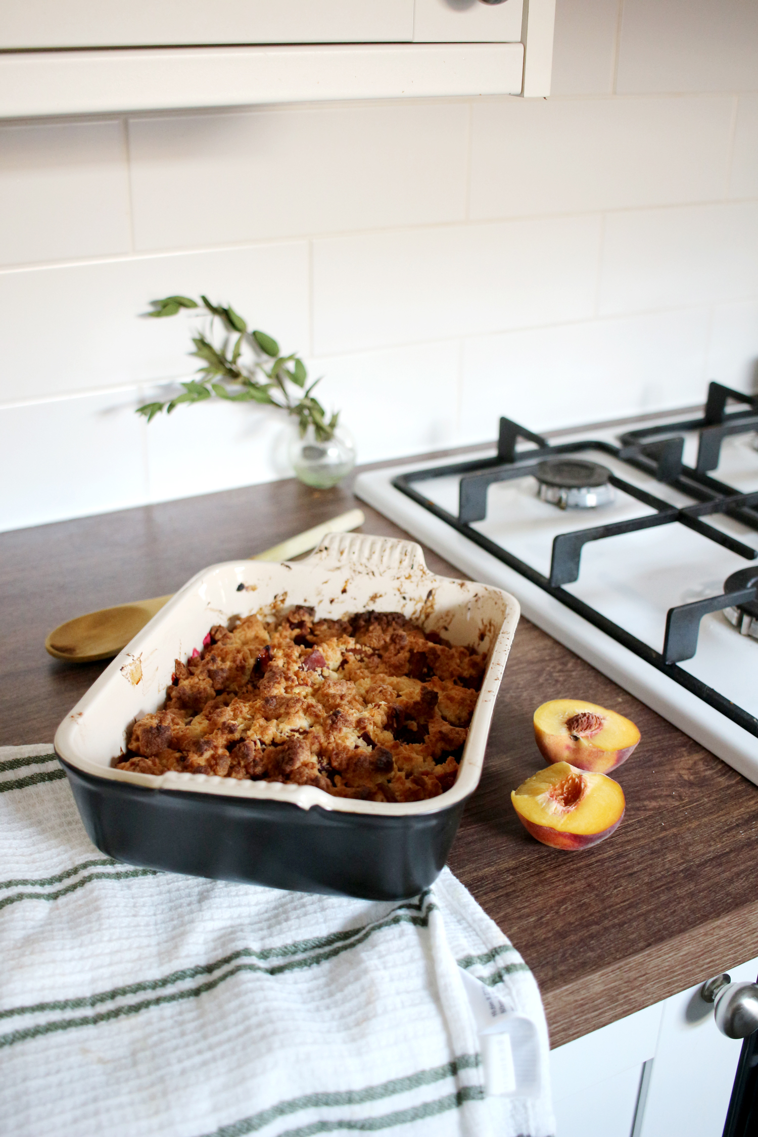 peach-and-raspberry-crumble-recipe-2