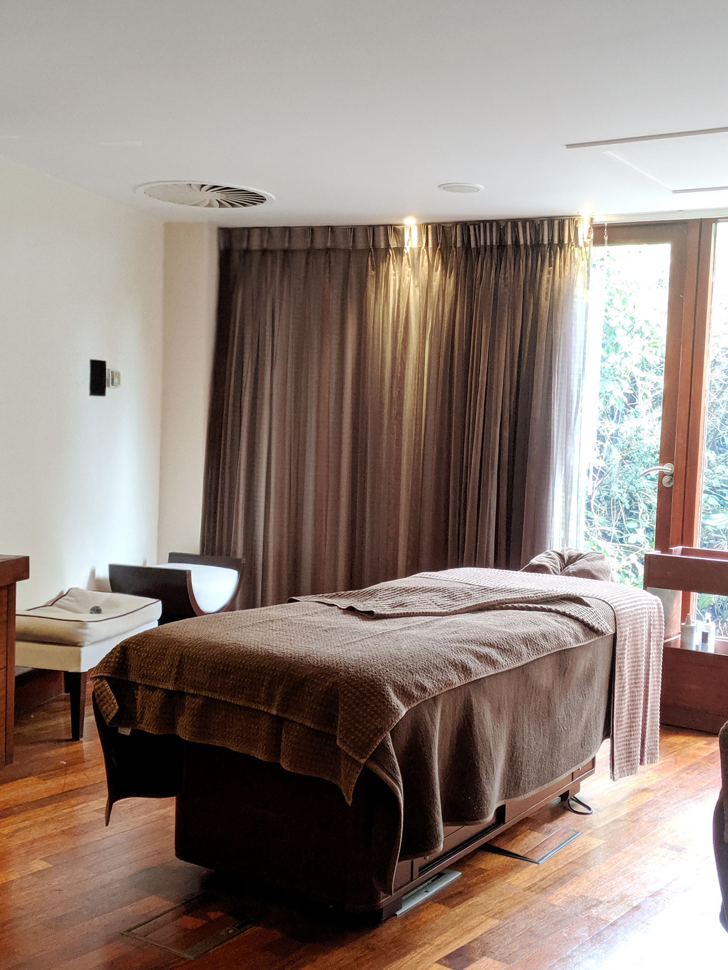 seaham-hall-spa-review-full-day-top-to-toe-treatment-ozone-restaurant-20
