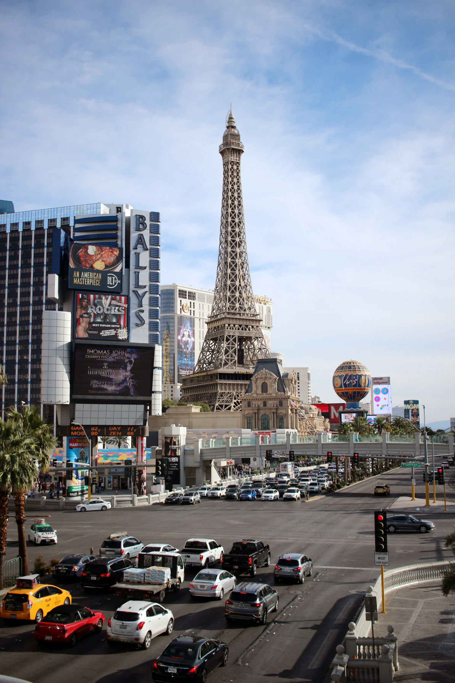 las-vegas-strip-paris-hotel-1