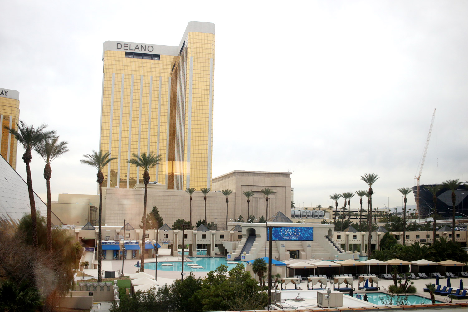 las-vegas-the-luxor-hotel-review-king-room-3