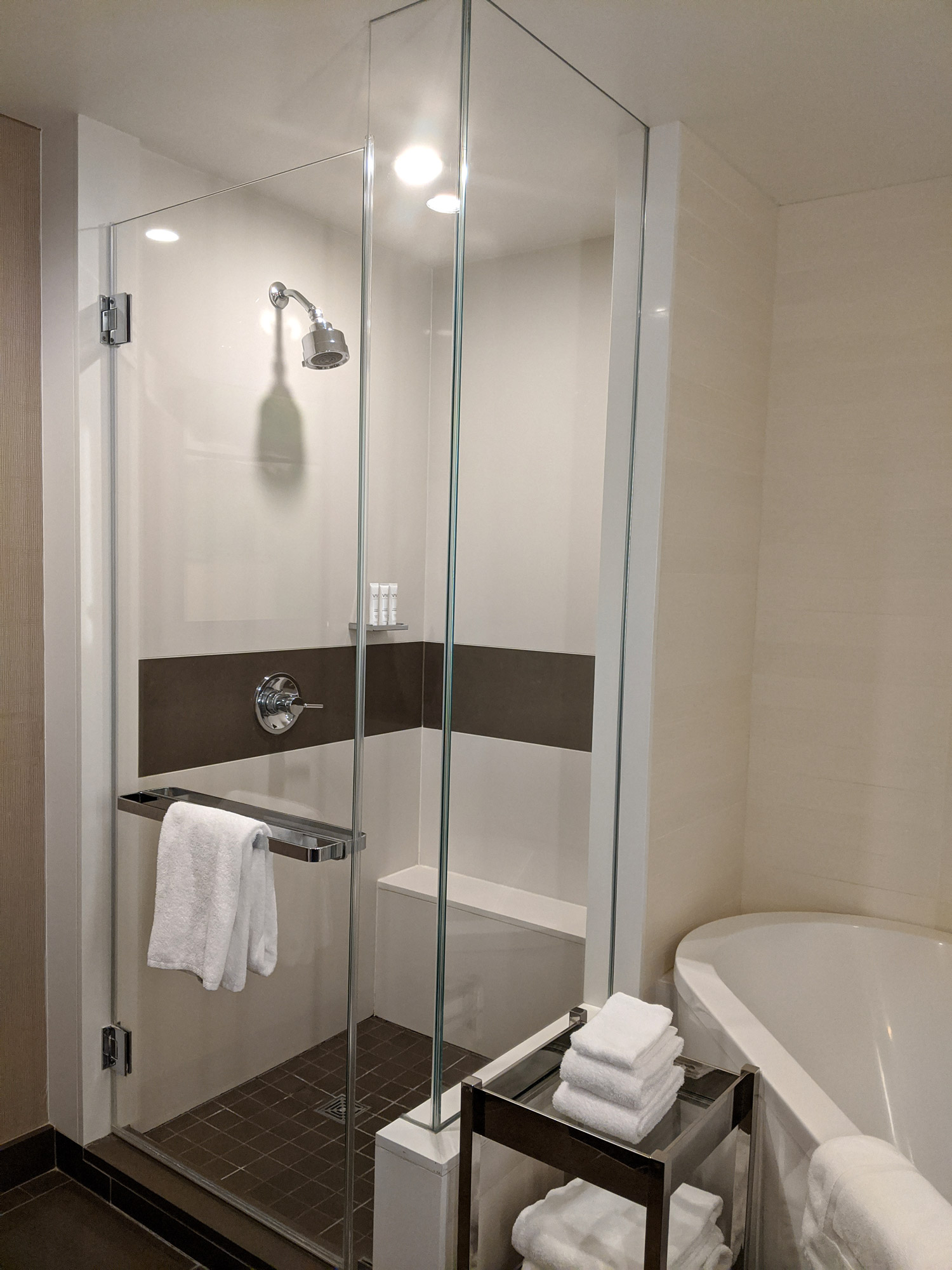 las-vegas-vdara-studio-parlour-double-room-review-8
