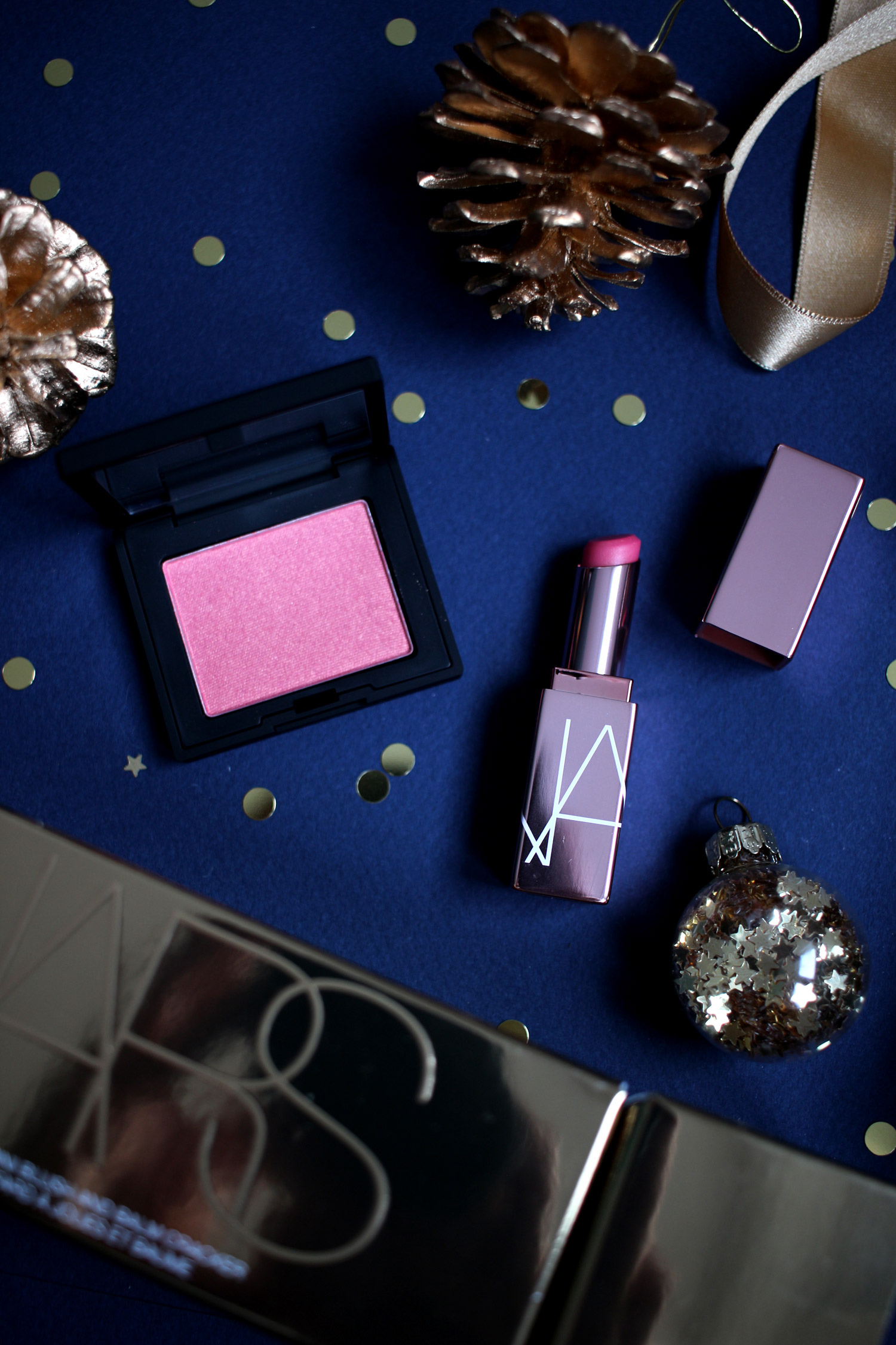 christmas-2020-beauty-gift-guide-NARS-gift-sets-gold-cracker-orgasm-mini