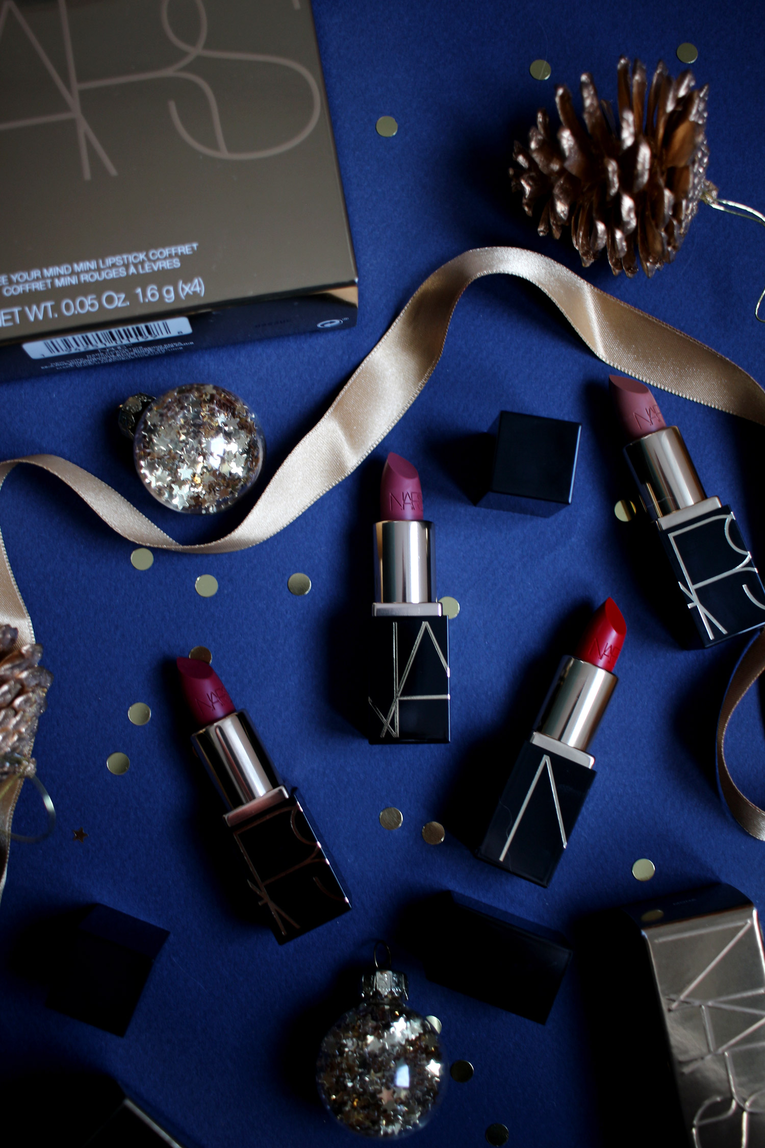 christmas-2020-beauty-gift-guide-NARS-gift-sets-gold-free-your-mind-lipstick-coffret