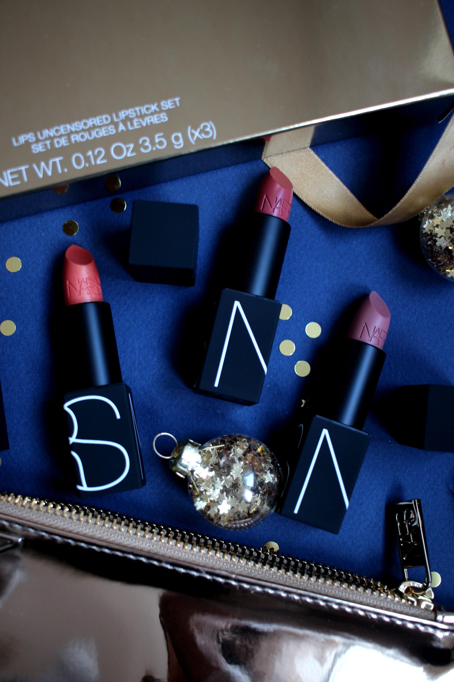 christmas-2020-beauty-gift-guide-NARS-gift-sets-gold-lips-uncensored-set-1