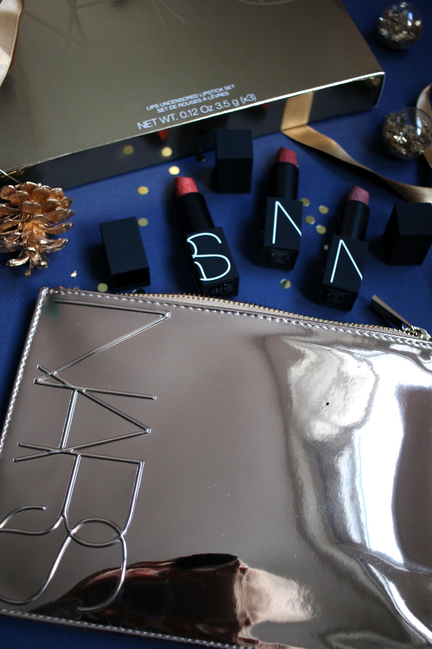 christmas-2020-beauty-gift-guide-NARS-gift-sets-gold-lips-uncensored-set