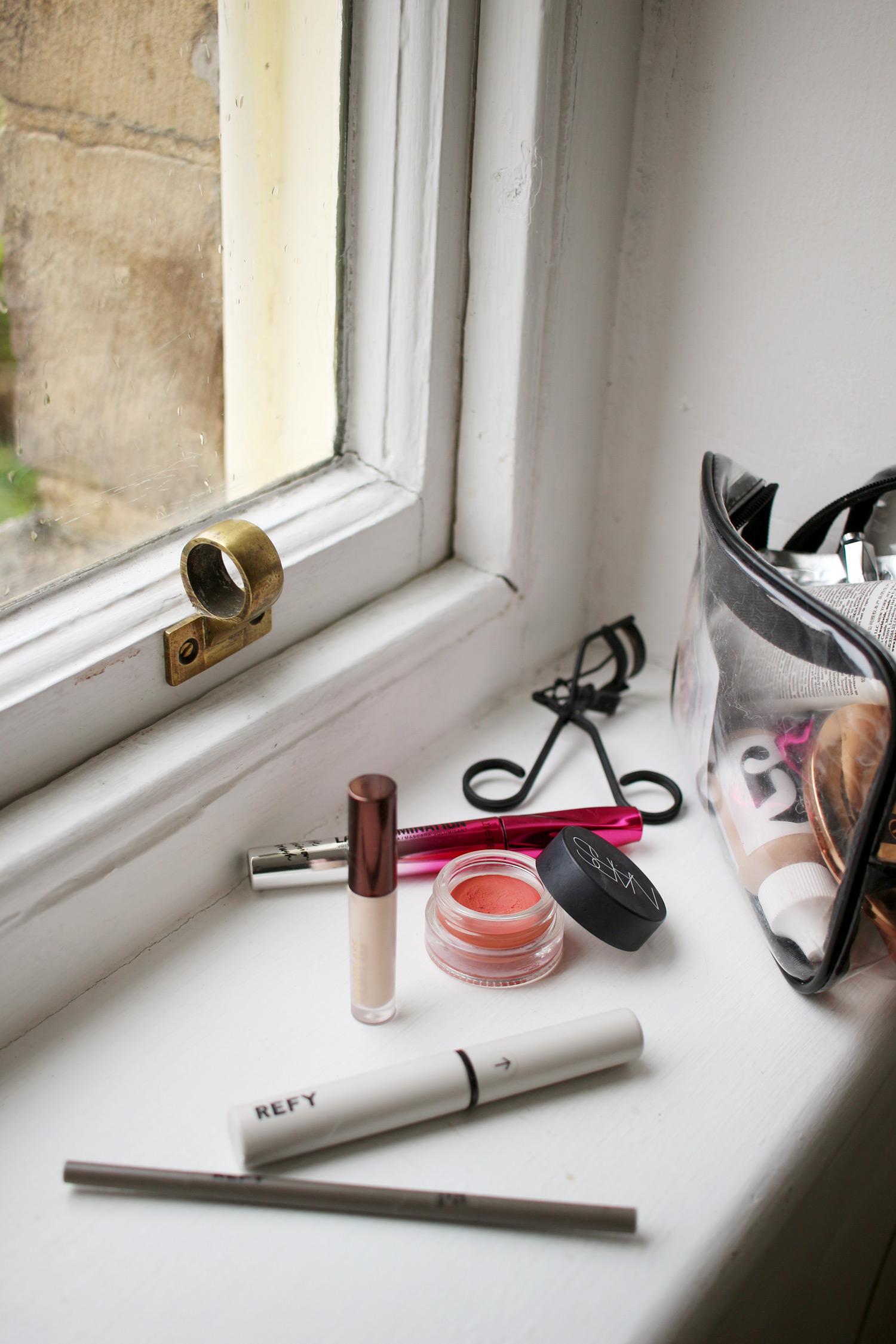 makeup-bag-favourites-nars-air-blush-refy-beauty-eyebrow
